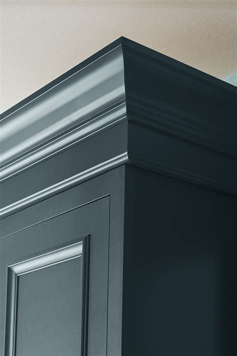 Tall Crown Moulding - Diamond Cabinetry
