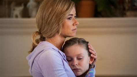 'Austin Found' review: Linda Cardellini makes the most of
