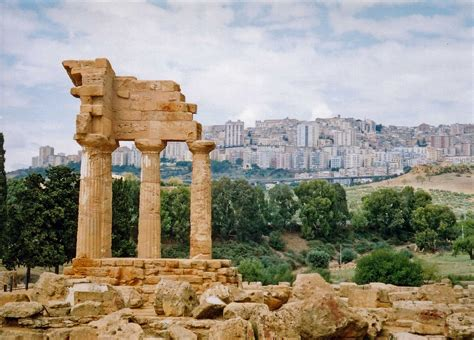 File:Agrigento, Ancient and Modern