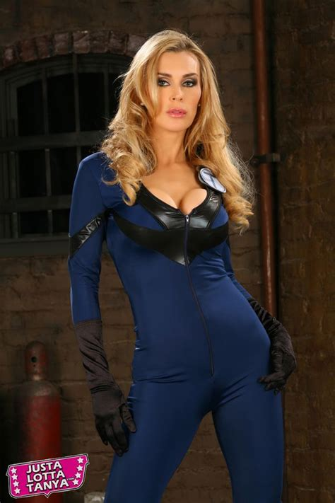 Photoshoot! Cosplayer Tanya Tate™ As The Invisible Woman