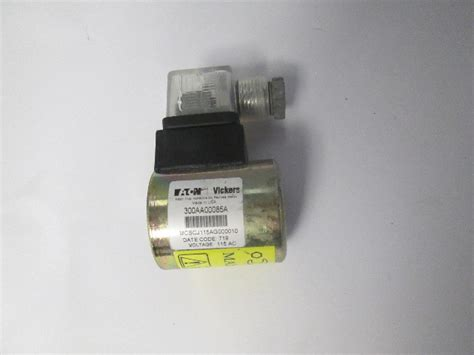 Eaton Vickers 300AA0085A 110VAC Electric Solenoid Switch