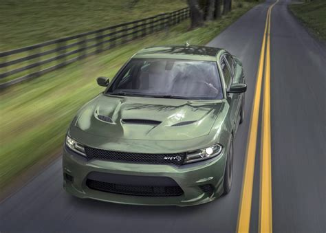 High-performance Dodge Charger SRT Hellcat comes with a