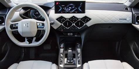 DS 3 Crossback Interior & Infotainment   carwow