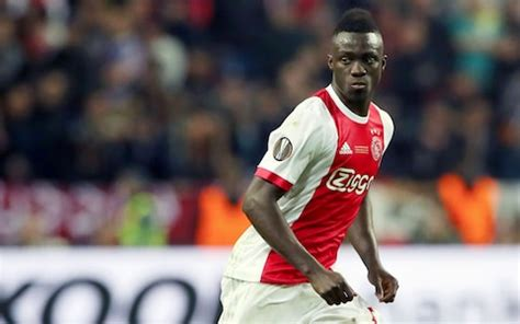 Tottenham complete first summer signing with £42m Davinson