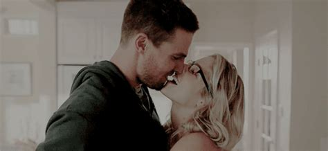 Here Are The Best Olicity Moments From The 'Arrow' Season