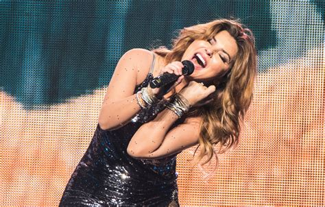 Review: Shania Twain Brings Hits, New Songs to Now Tour