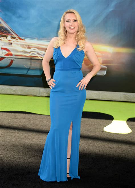 Kate McKinnon – 'Ghostbusters' Premiere in Hollywood