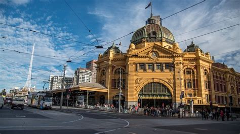 Melbourne likely to become bigger city than Sydney   SBS