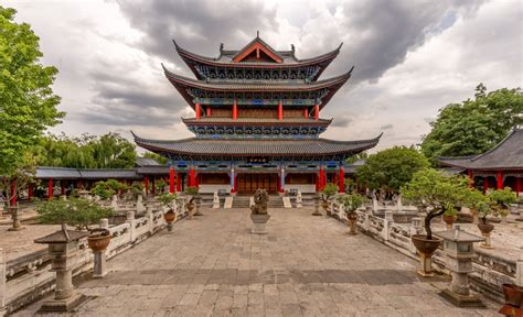 CHINA - Two days in Lijiang old town and outlying small